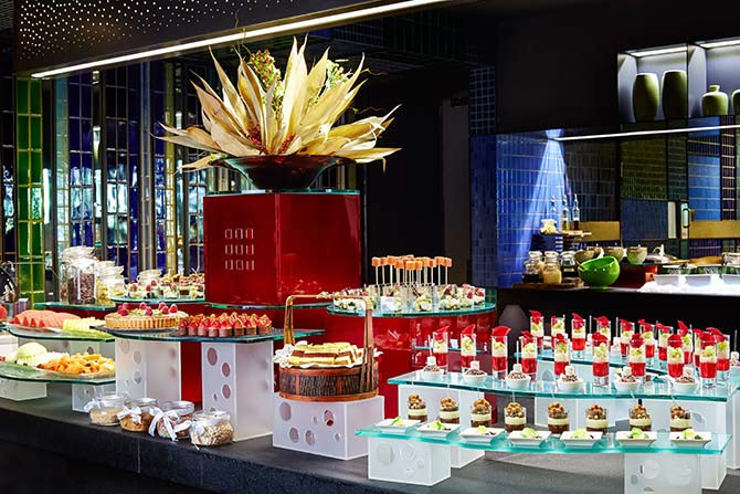 #124_food_Azur---Dessert-Buffet-Spread