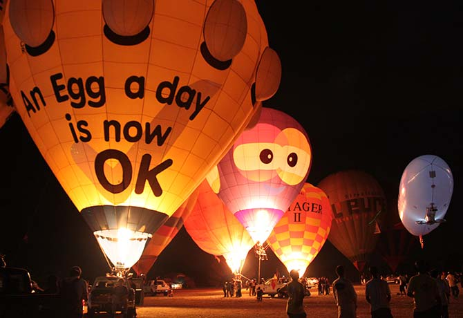 Up, up and away! Launch into the skies in these adorable hot air balloons.