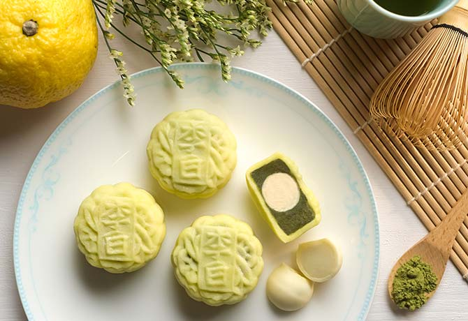 Sheraton's mini green tea mooncakes are pretty