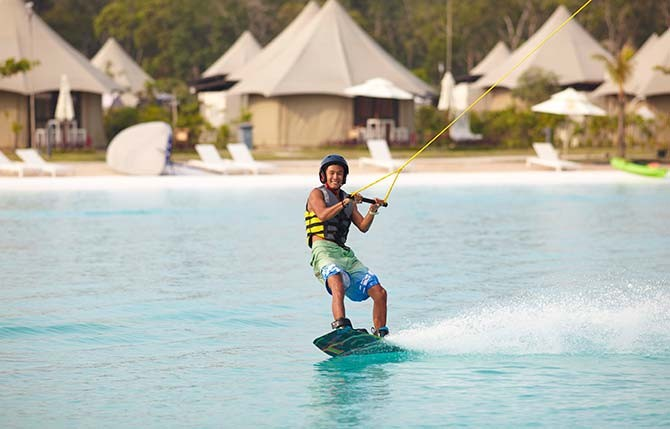 #143_travel_Water-Activities-at-Crystal-Lagoon-1.-Credit_Treasure-Bay-Bintan