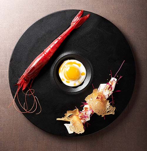#145_food_Gamberi-prawn-carbonara_parmesan-cream_soft-poached-egg-yolk_bacon-ash