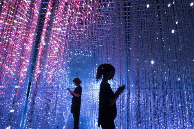 Crystal Universe - Future World at ArtScience Museum (Credit to teamLab)