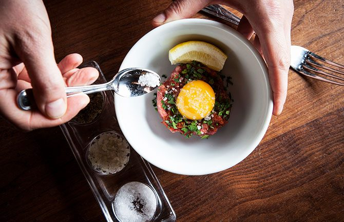 #157_food_EO-Hand-chopped-Beef-Tartar