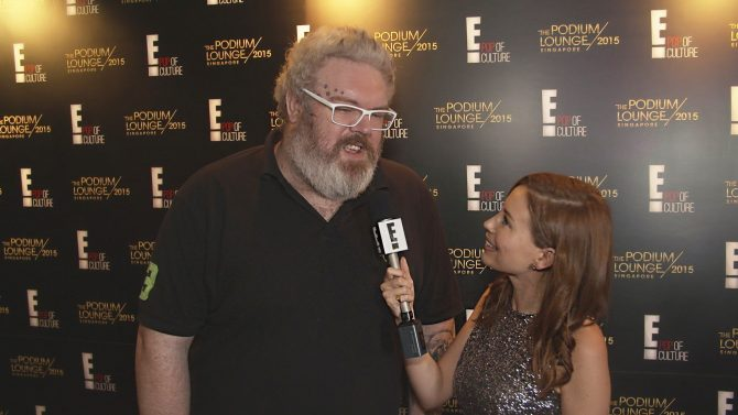Kristian Nairn (HODOR from Game of Thrones) being interviewed by Yvette King of E! News