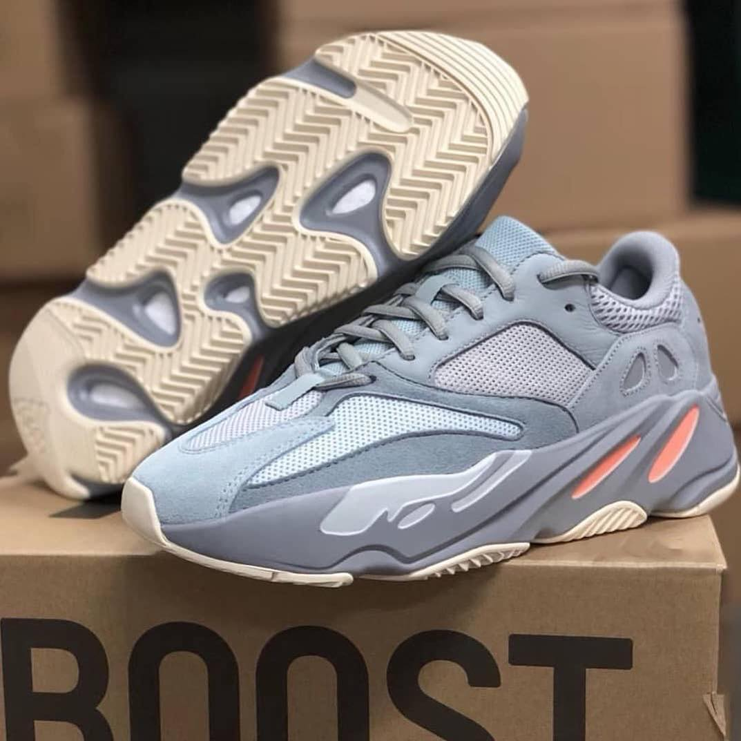 quality design 72332 c1809 Adidas YEEZY BOOST 700