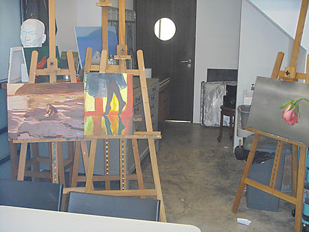 Cups N Canvas restaurant art school students dining painting cafe cuisine where to