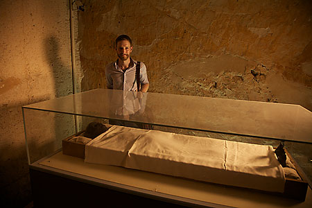 Dr Chris Naunton finds out why King Tut's mummy was badly charred, and dsicovers other secrets