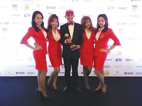 """AirAsia was named """"World's Leading Low Cost Airline"""" at World Travel Awards 2013"""