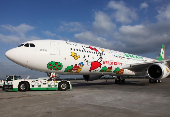 EVA Air Hello Kitty Magic Jet 02