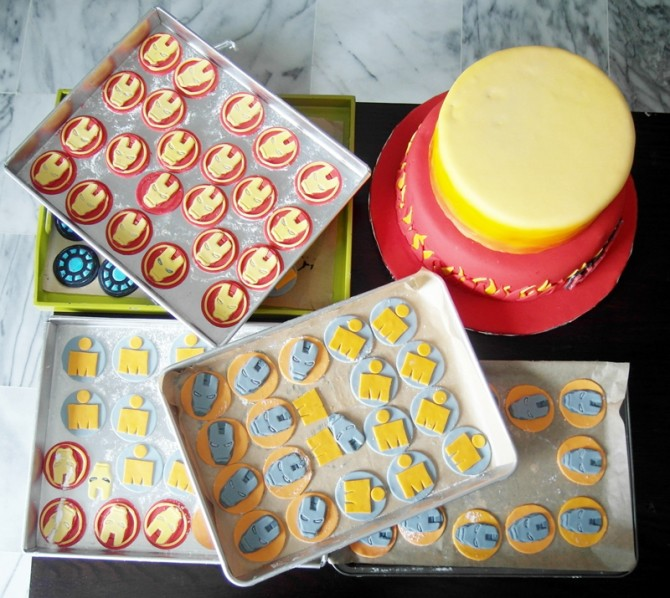 """Sylvia humbly shows us these """"work-in-progress"""" cupcakes and we are in love!"""