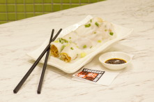 Rice Roll with Dough Fritter is a traditional HK snack