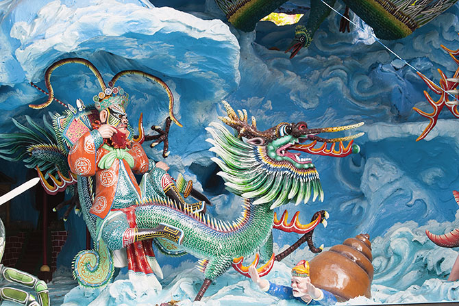 You can also witness various scenes from Chinese mythology JPL Designs / Shutterstock.com