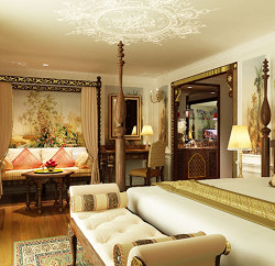 The luxurious Viceroy Suite will make you feel as though you are staying in a mansion on the river