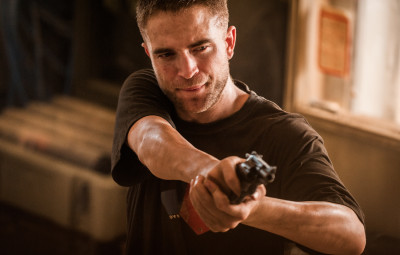 Roughhouse Robert Pattinson gets his gangster play on