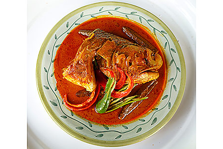 fish head curry hawker centre dining eating where recommended restaurant