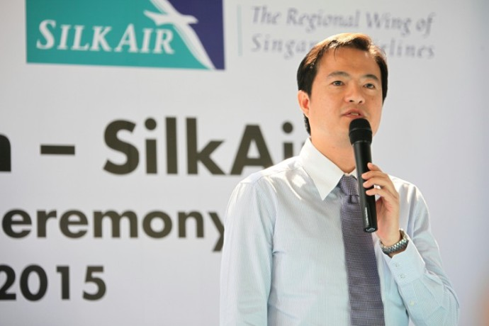 CEO of SilkAir Leslie Theng sealing the deal to support logistic and publicity support for Child's Dream