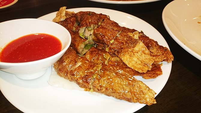 The Penang Lor Bak ($8++), a more fragrant, tastier version of our ngoh hiang, will whet your appetite for more