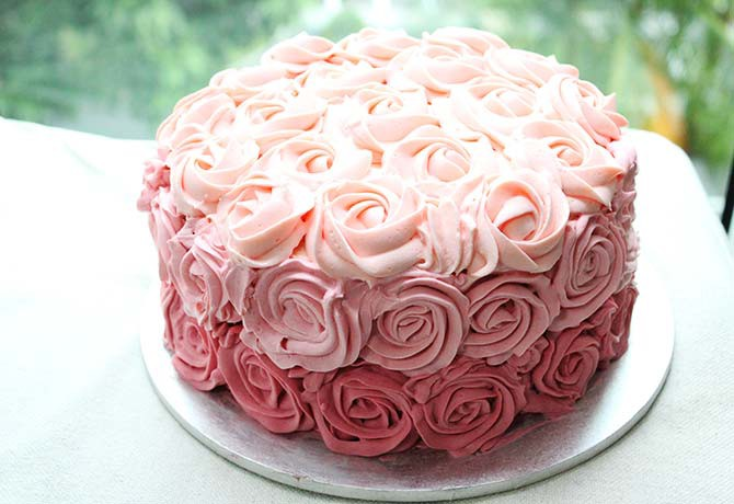 The Red Velvet & Cheesecake with Pink Ombré Roses looks stunning and tastes divine