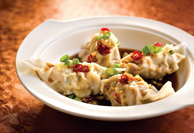Feast on a la carte  dim sum buffet at Ju Chun Yuan and receive a signature Fuzhou Heng Hwa Fried Vermicelli dish, for Father's Day only
