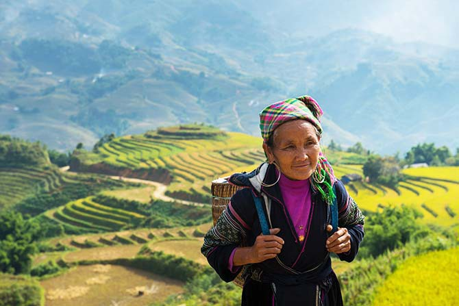 Spend some time among the mountains and hamlets of Sapa, and learn about the lives of diverse communities of ethnic minorities in Vietnam (Photo: naihei/Shutterstock.com)