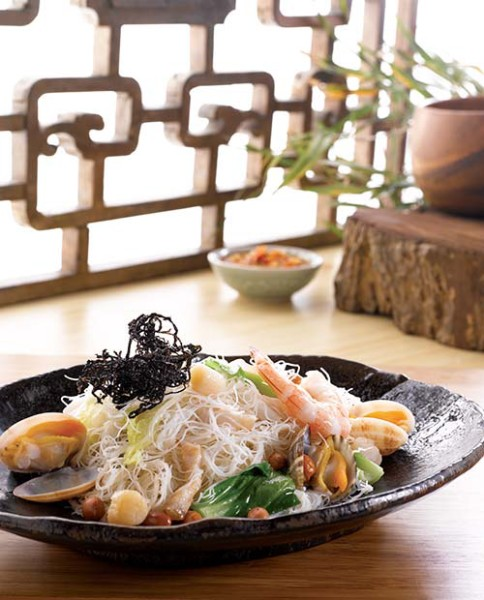 The Fried Heng Hwa Bee Hoon will comfort you with its light and tasty flavours