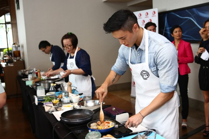 Singapore Contestant Lennard Yeong in action during the Mystery Box Challenge_Credit to Lifetime Asia