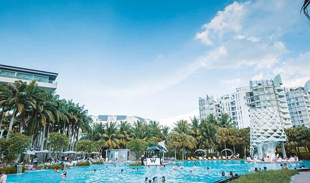 Kick back at W Singapore's F1-themed pool party, where the Lamborghini Huracán LP 610-4 will be swerving by for a pit stop (Photo: W Singapore)