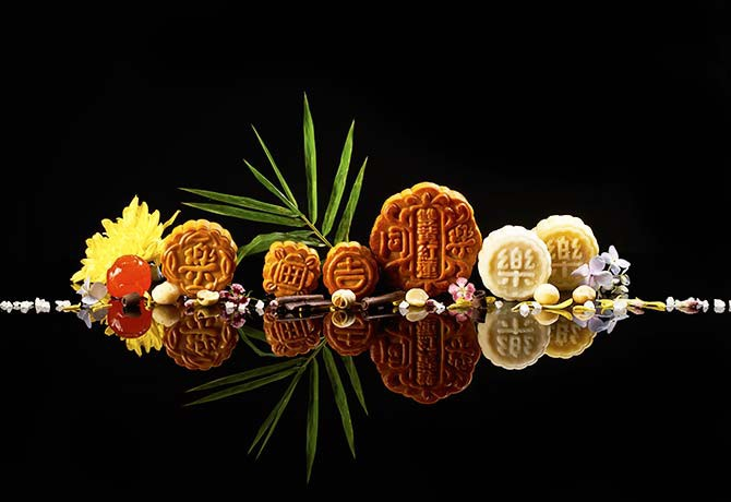 TungLok's mooncake offerings bring together familiar flavours and new, refreshing ones