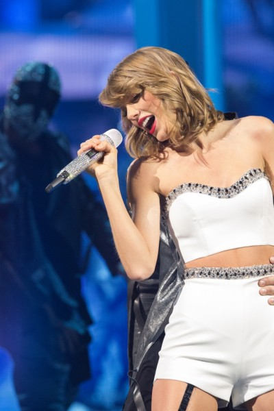 TS1989_Tour-Book_Image_Pg19_1