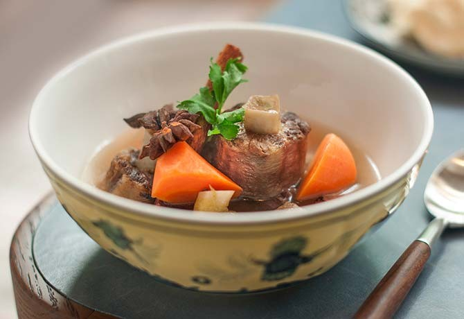 #141_food_Sop-Buntut-(Indonesian-oxtail-soup),-Colony