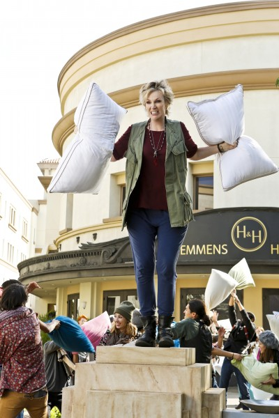 """""""Soulmates"""" -- Pictured: Jane Lynch (Amy). Amy's plan to get Allison to stop caring about """"looking stupid"""" backfires when Allison makes a spontaneous decision that leads her to meet her soulmate before she's supposed to, on ANGEL FROM HELL, Thursday, Feb. 4 (9:30-10:00 PM, ET/PT) on the CBS Television Network. Brett Gelman (""""Eagleheart,"""" """"Jobs"""") guest stars as Lee, another guardian angel. Constance Marie (""""George Lopez,"""" """"Selena"""") guest stars as Linda, Marv's new love interest. Photo: Trae Patton/CBS ©2016 CBS Broadcasting, Inc. All Rights Reserved."""