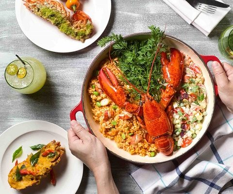 PARKROYAL on Pickering_Lobsterfest at Lime_Chef serving Lobster Risotto-2 480