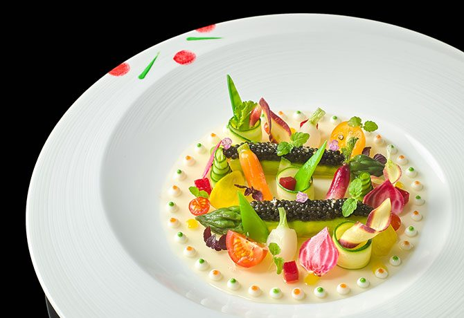 #158_food_Sologne-Imperial-caviar-on-asparagus-and-tomato-jelly-with-curcuma-and-lemon-olive-oil