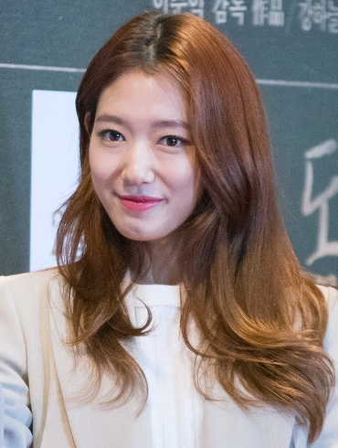 (160204)_Park_Shin_Hye_@_the_'DongJu_-_The_Portrait_of_A_Poet'_Movie_Premiere (Photo Wikimedia Commons)